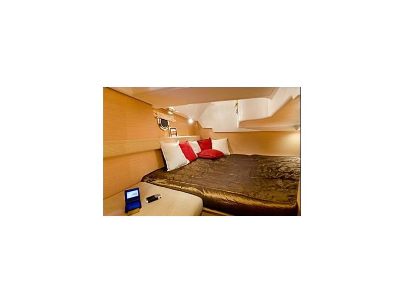 Beneteau montecarlo 32 usato in vendita cerco beneteau for Disegni di cabina di log gratuiti